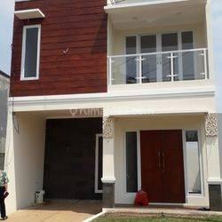 Hunian 2 Lantai Strategis Pinggir Jalan dengan Konsep Gaya Bali yang Eksotis lokasi hanya 10 menit ke pintu tol cijago dan pintu tol cimanggis
