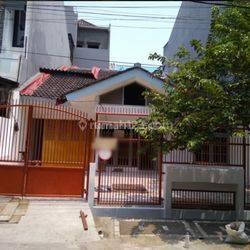 SSeD 430  : Rmh 1 1/4 lt 176/220 m2 bs usaha/gudang Dutamas Indraloka Jelambar