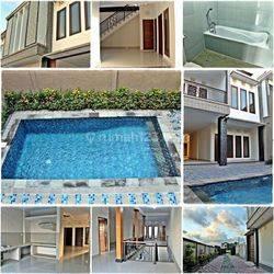Rumah Style Villa di Tukad Badung, Renon, Denpasar Selatan