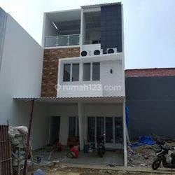 Termurah cluster mewah di Rawamangun 3 lantai