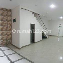 NEW HOUSE, EMEJING! CLUSTER ONE GATE DI BKR, TENGAH KOTA, INHOFTANK PELINDUNG HEWAN