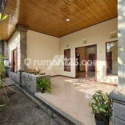 Cozy House Clean and Bright in Sanur