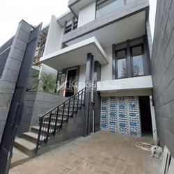 Brand New House Bangka - Kemang Jakarta Selatan