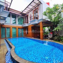 Rumah Mewah Dengan Private Pool Di Patra Kuningan Area Jakarta Selatan