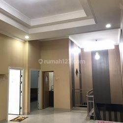 CHANDRA*rumah 2.5 lantai lokasi bagus lokasi strategis di taman ratu