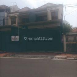 Rumah Strategis Siap Huni di Cempaka Putih Jakarta Pusat
