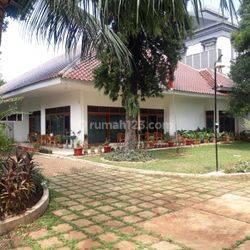 Rumah Lama di Jl Patal Senayan II