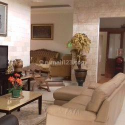 Rumah 2 Lantai di Perumahan elite dan eksklusive di Kemang Pratama Bekasi, sangat Terawat.