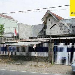 Dijual Rumah Hitung Tanah di Jalan Raya Brawijaya, Mojokerto