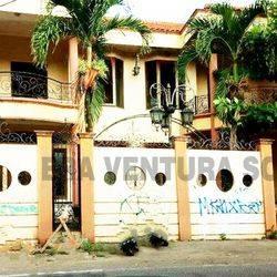 Rumah Mewah Tengah Kota Serengan Solo