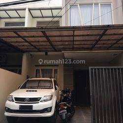 (GA14529-HR) Rumah bagus, siap pakai di Taman Ratu, Jakarta Barat