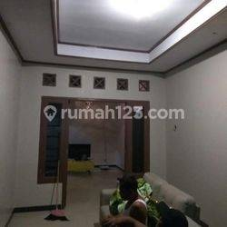 Rumahnya hemat banget di dalam kompleks Rajeg Tangerang