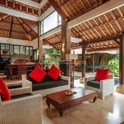 Classic Traditional Villa in Batu Belig , Kerobokan