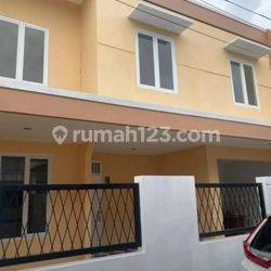 Rumah Jurang Mangu Timur Nempel Kampus Stan Siap Huni