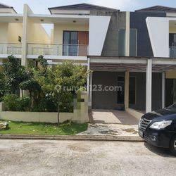 Rumah di Cluster Arana Kota Harapan Indah, Bekasi