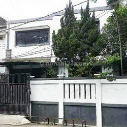 FANO- Rumah Villa Arteri Kelapa Dua siap huni Hoek Jakarta Barat Kebon Jeruk