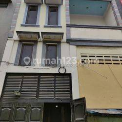 Rumah Teluk Gong, Jakarta Utara, 3 kamar, Luas 151 m2