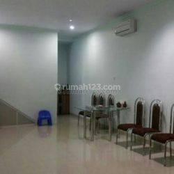 Rumah Green Ville, di Green Ville, Jakarta Barat, Luas 120 m2. 3 Kamar
