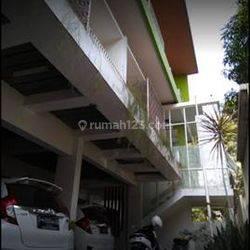 Kost Exclusive 22kmr Fasilitas Hotel Link Premium dkt Ambarukmo Plaza,Parkir mobil Luas