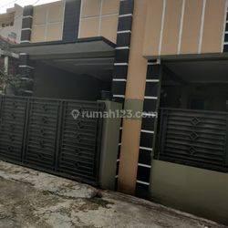 Dijual Cepat Rumah dalam Komplek di Harapan Indah 1, Bekasi