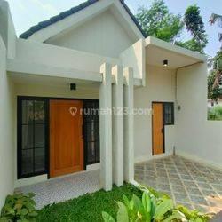 Rumah minimalis 1, 5 lantai dikawasan Graha raya, Pondok kacang barat