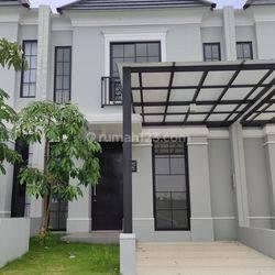 Rumah di Oakwood Citraland, Surabaya
