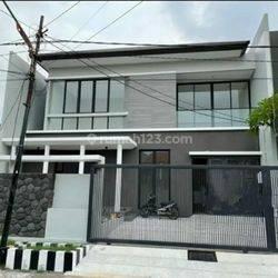 Dijual rumah baru gress Manyar Tirtoyoso