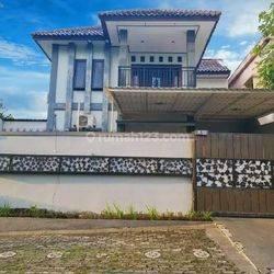 Rumah Mewah 2 Lantai Siap Huni Di Supriyadi Dekat Pusat Kota Sebagai