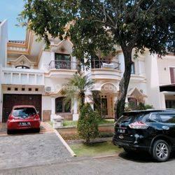 Rumah Super Mewah 2 Lantai Istimewa Dekat BSB City Lingkungan Perumahan Elite
