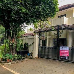 Great Choice 5BR House at Pondok Pinang Kebayoran Lama By Travelio