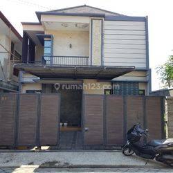 Rumah modern Minimalis di Tukad Badung Renon Denpasar
