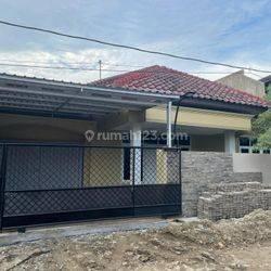 Rumah 1 lantai cocok untuk tempat tinggal atau kantor di Puri Anjasmoro