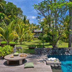Reduced Price - Magnificent Riverside Art Deco Style Family Home, Min. To UBUD