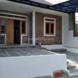 Rumah baru dalam Komplek di Limo Cinere