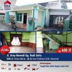 Rumah Tengah Kota Jalan Uray Bawadi, Pontianak