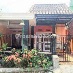 Rumah Cantik menarik bisa untuk Villa di kota Batu jawa timur