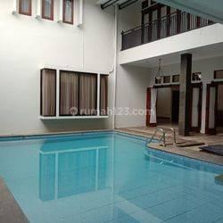 Rumah Mewah Ada Kolam Renang di Kota Bogor