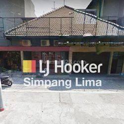Rumah untuk usaha dekat Simpang lama, Gajahmada Semarang