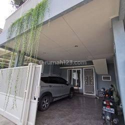 Rumah baru siap huni, minimalis, homy dan furnish, rumah hadap selatan di regency melati mas BSD