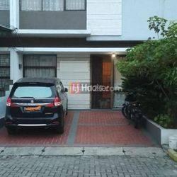 Rumah murah dengan Furnished bagus dalam komplek Grand Duta Tangerang