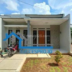 Rumah 1,5 Lantai berada di belakang BPK Penabur bintaro, Suasana Asri dan nyaman  lokasi di samping mesjid