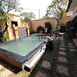 3 bedrooms Villa Semi furnished with garden and enclosed living