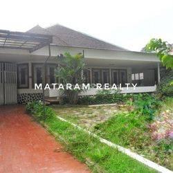 Rumah di Lokasi Premium Sayap Dago, Cocok Untuk Kantor/ Usaha