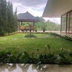 Rumah Lux 4 lantai Siap Huni Di Kawasan Udara Sejuk Dago Pakar Resor