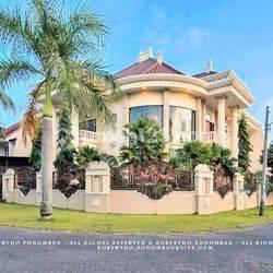 Rumah Hook Mewah di PBI Araya kota Malang, harga nego