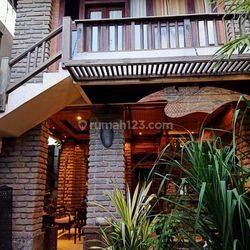 Rumah dengan Konsep Tradisional Area Mumbul, Nusa Dua