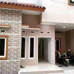 Rumah 1lt siap huni dengan desaint modern | LOKASI BAMBU APUS PAMULANG | akses besar dua mobil dan lokasi sangat strategis | dengan sistem one gate dengan keamanan 24jm | dengan suasana aman nyaman dan bebas banjir