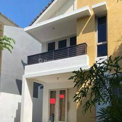 Rumah Cantik Siap Huni Kawasan De Latinos BSD (MURAH NEGOTIABLE)