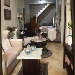 Rumah 1 1/2 lantai dijual cepat dan murah di regency melati mas