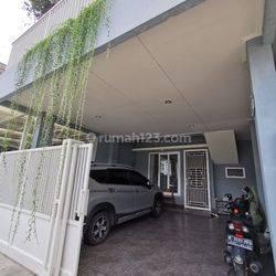 Dijual rumah mewah, bagus dan terawat di Melati mas, Serpong